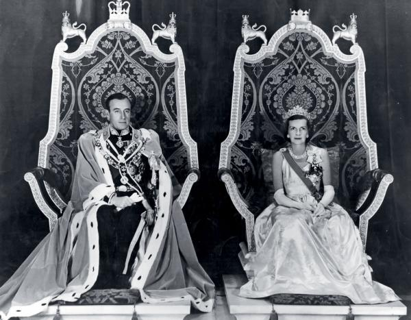Lord Mountbatten, jako wicekról Indii, z żoną lady Edwiną Ashley. Fotografia z 1948 r.