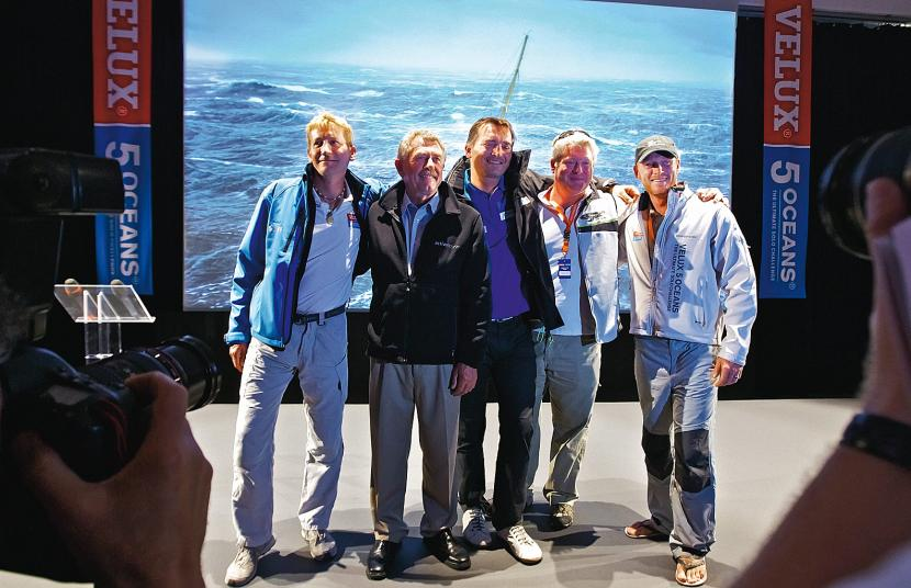 Uczestnicy regat Velux 5 Oceans jeszcze przed startem,  od lewej: Christophe Bullens, Derek Hatfield, Zbigniew  Gutkowski, Brad van Liew, Chris Stanmore-Major.