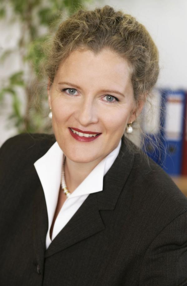 Prof. Barbara Stöttinger, Academic Director of the Professional MBA Marketing & Sales
